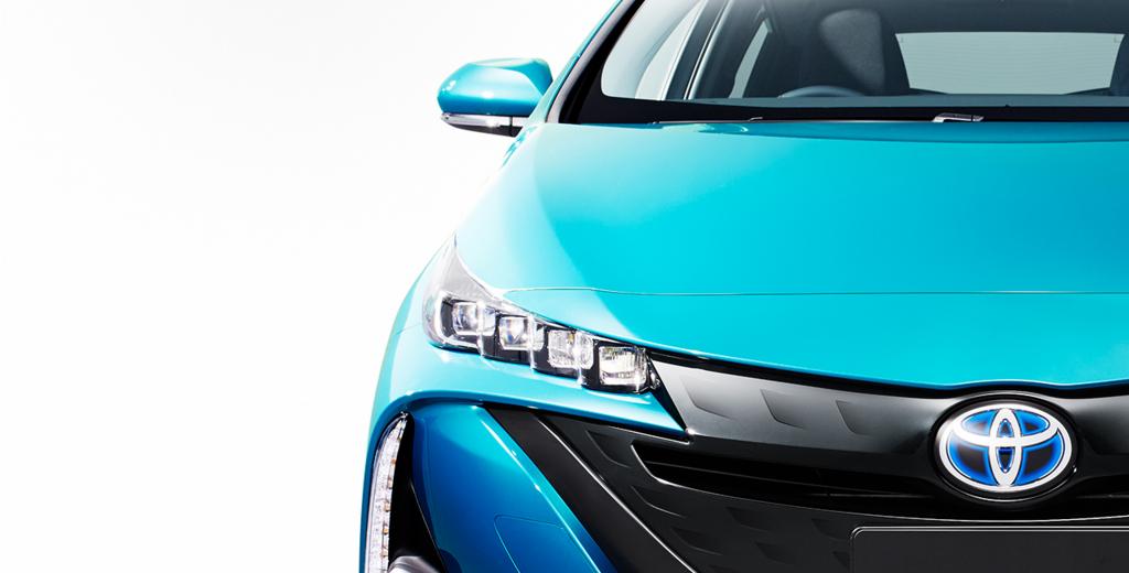 【TOYOTA】新型プリウスPHVの発売日は2月!!気になる燃費・価格は!?